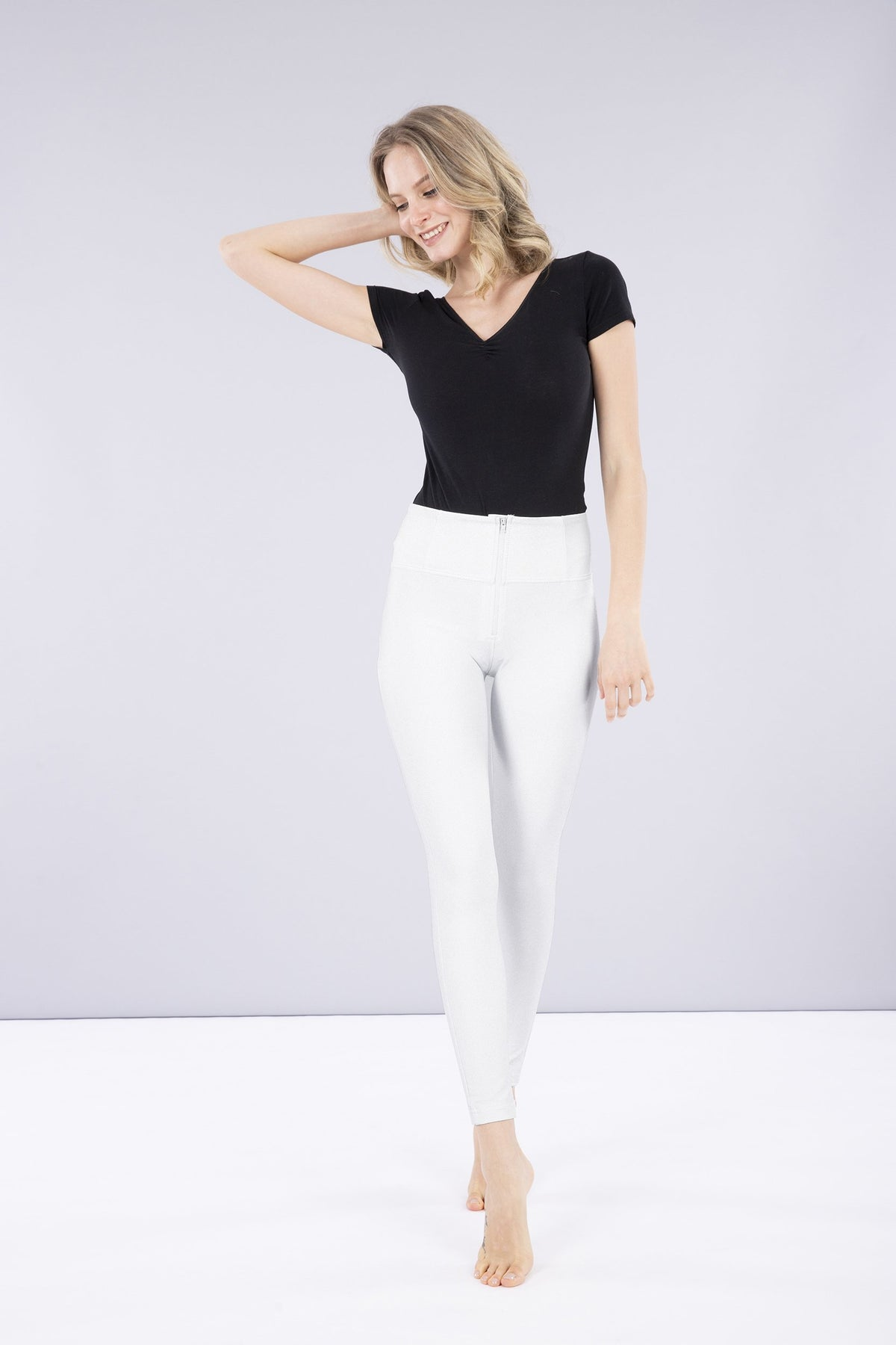 ANKLE SKINNY WHITE LEATHER HIGH RISE