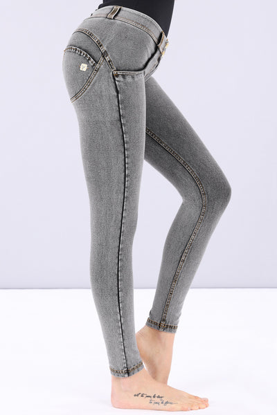 WASHED GREY DENIM MID-RISE 7/8 ANKLE