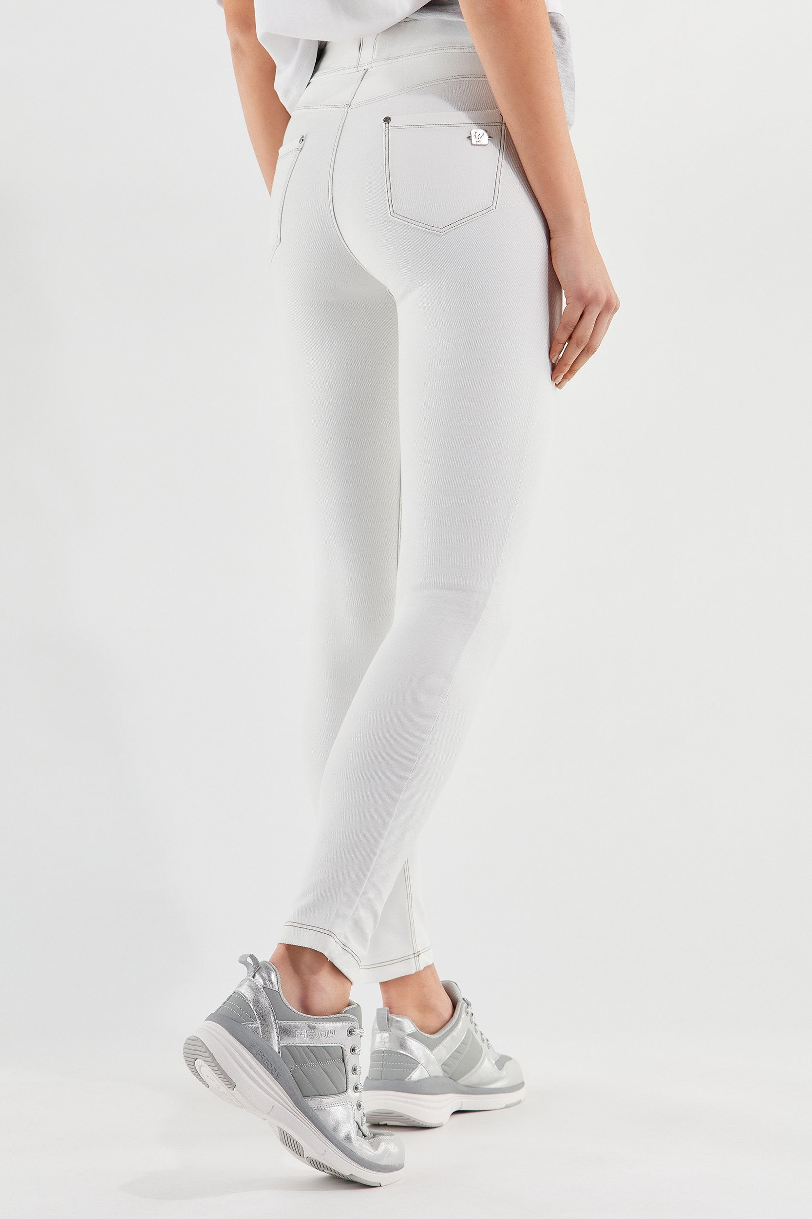 NOW 5 POCKET WHITE DENIM