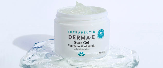 Scar Gel texture and consistency revealed with scar gel jar and clear gel surrounding
