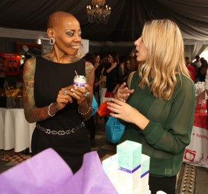 Mad TV Comedian Debra Wilson tries out the Microdermabrasion Scrub