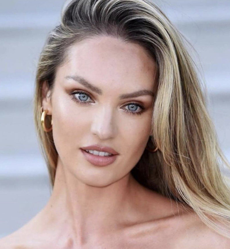 Blog - CANDICE SWANEPOEL IN THE MINI GOLD HOLLOW HOOPS