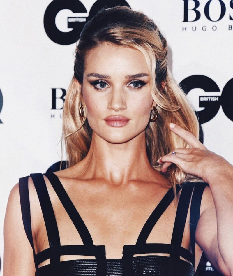 Blog - ROSIE HUNTINGTON-WHITELEY IN THE MINI HOLLOW HOOPS