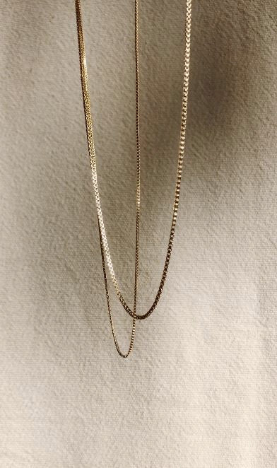 "Thick & Thin 22"" vintage square chain zoomed crop"