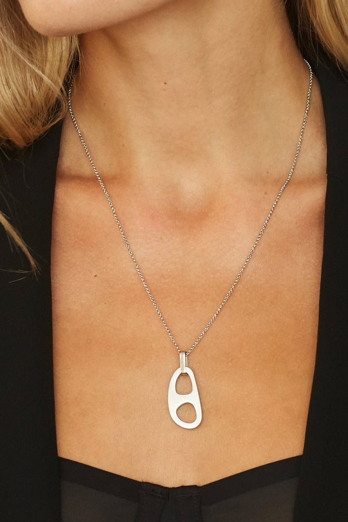 Cropped view on model of Adjustable Silver Tab Necklace Necklace bagatiba