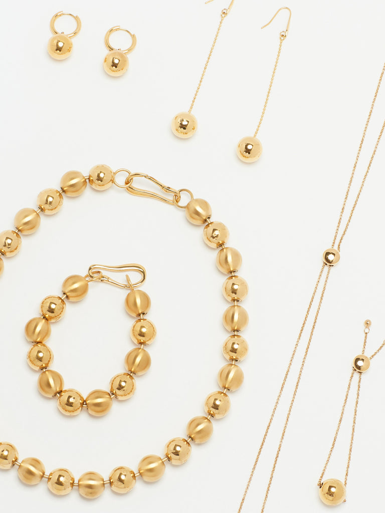 Detail shot of flat lay of Adjustable Sphere Necklace Necklace bagatiba