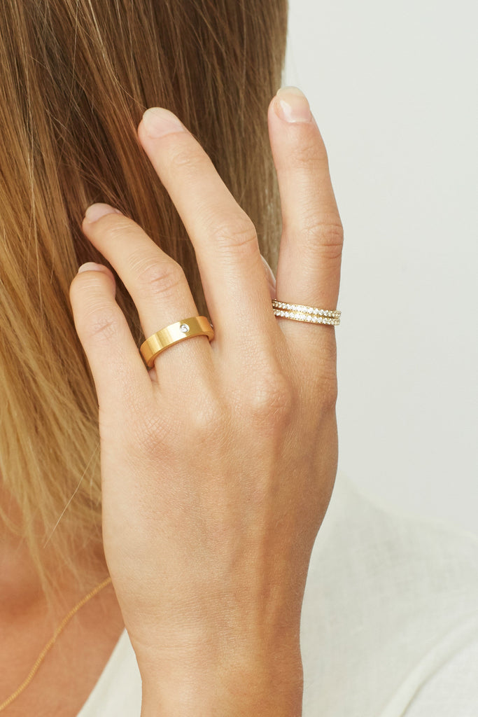 Cropped view of Model's hand wearing Ella Diamond Ring Ring Bagatiba