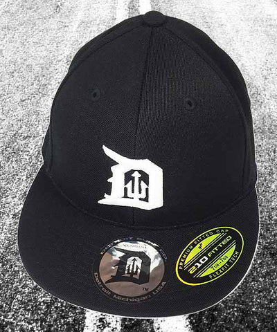 Fitted Trident D Cap Black