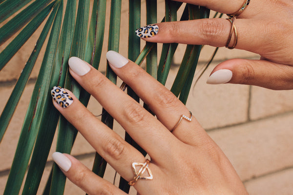 21 Cute Acrylic Nails That Will Turn Heads