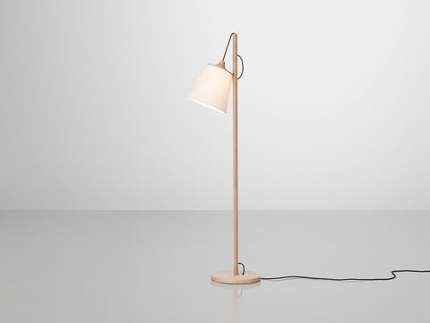 pull floor lamp by muuto