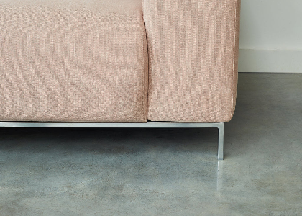 detail lifestyle shot of muna chair in pure 04 nude pink