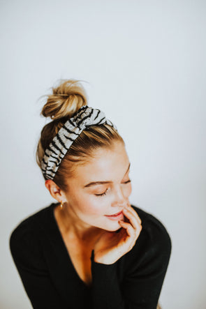 Cleo Knot Headband - Robbie + Co.