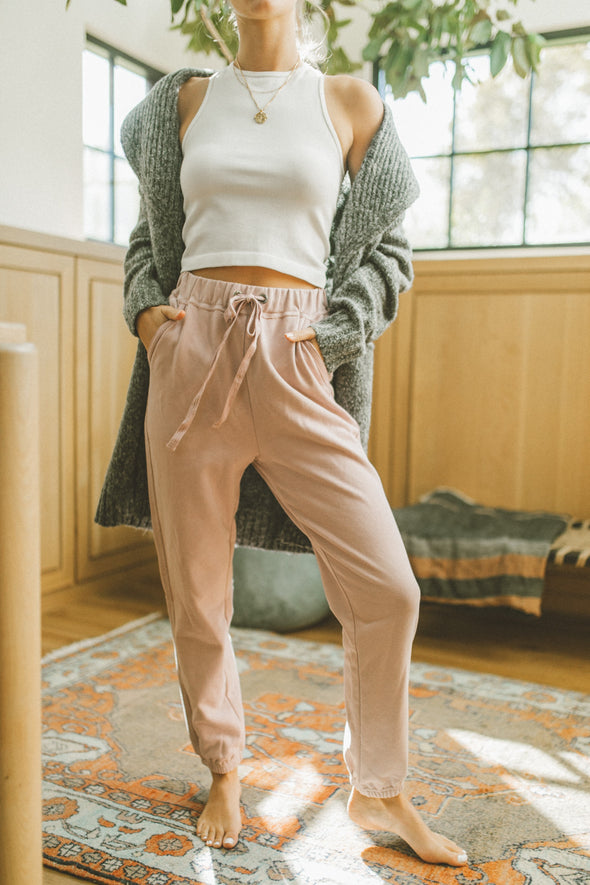 Heaven On Earth Joggers in Blush