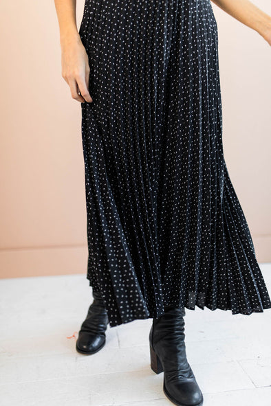 Odessa Pleated Skirt in Black - Robbie + Co.