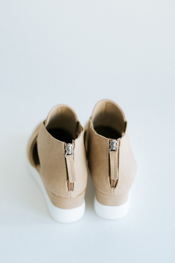 Melody Wedge in Toffee - Robbie + Co.