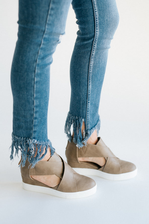 Melody Wedge in Taupe - Robbie + Co.