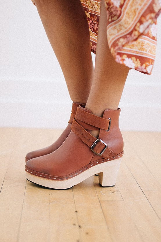 Free People Bungalow Clog - Robbie + Co.