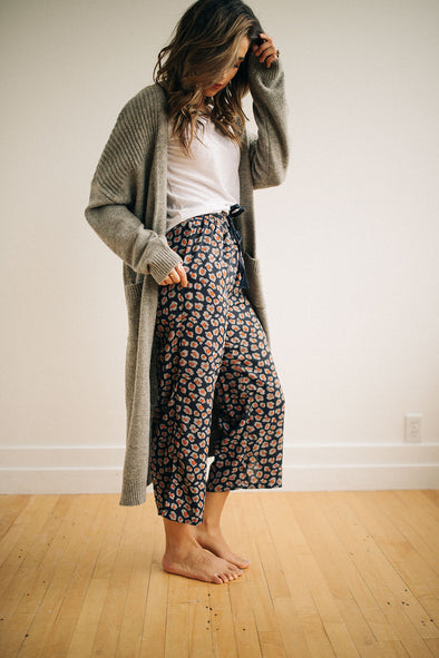 Mumford Wide Leg Pants in Navy - Robbie + Co.