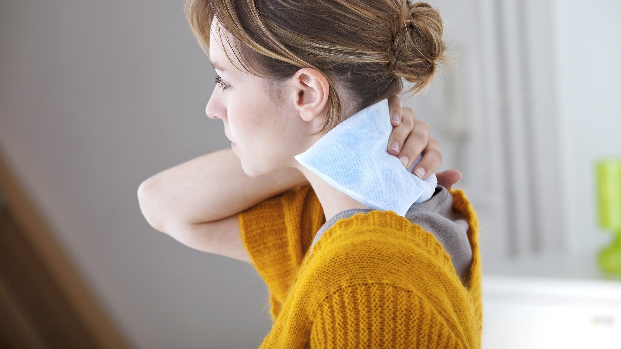 Muscle Knot in Neck Won't Go Away? Try These Home Remedies