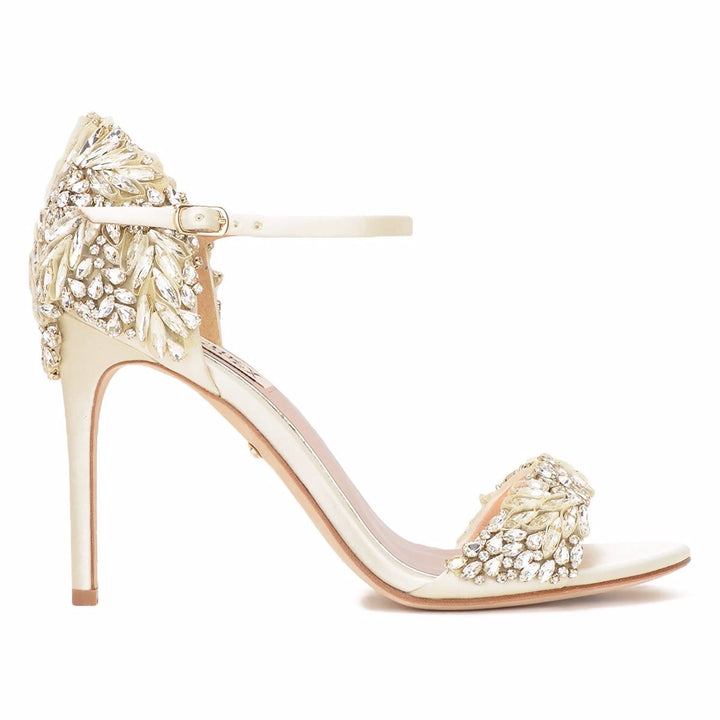 Tampa Sandals Ivory – The Little Pearl