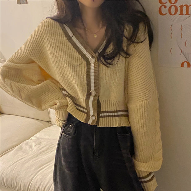Cozy Outlined Short Cardigans