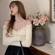 Flower Outlined Off Shoulder Top