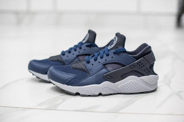 NIKE AIR HUARACHE: MIDNIGHT NAVY
