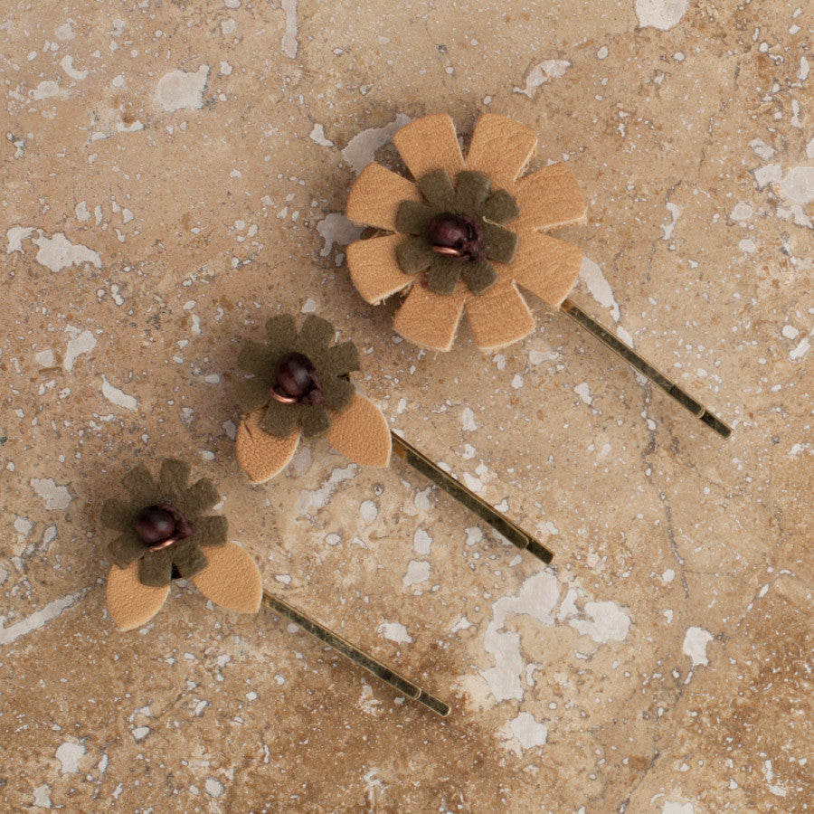 Blonde Flower Pin set of 3