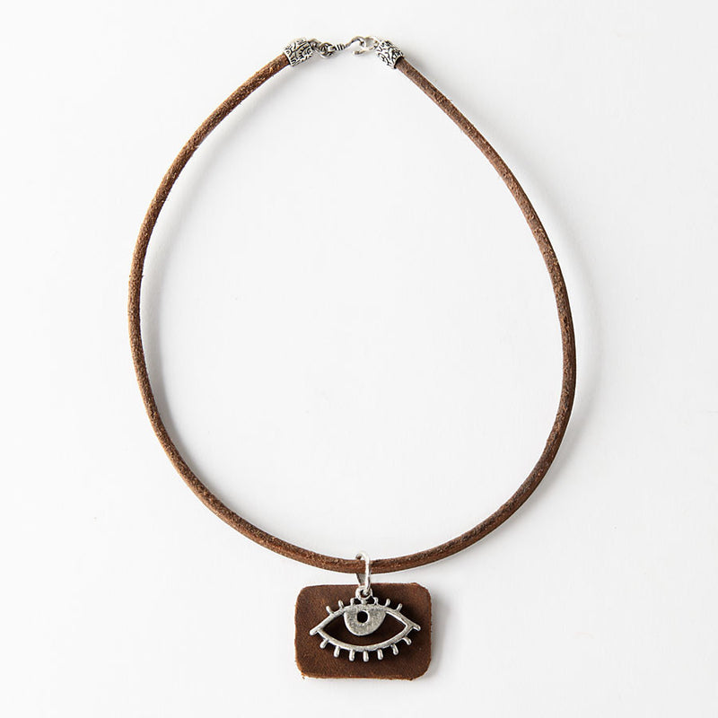 Necklace with eye pendant
