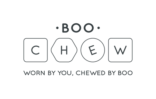 Stylish teething and breastfeeding jewellery, worn by you, chewed by boo