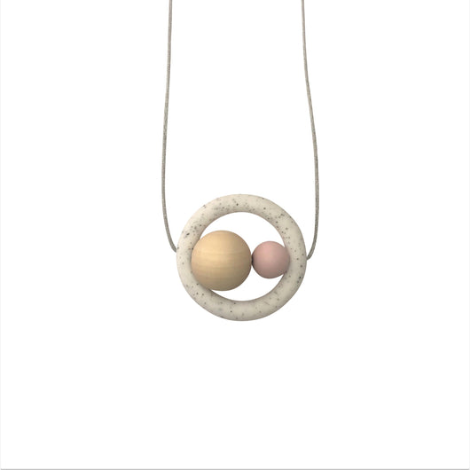 On trend teething necklace