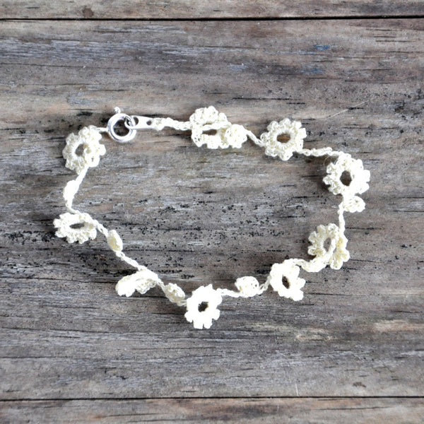 cute flowers crochet bracelet