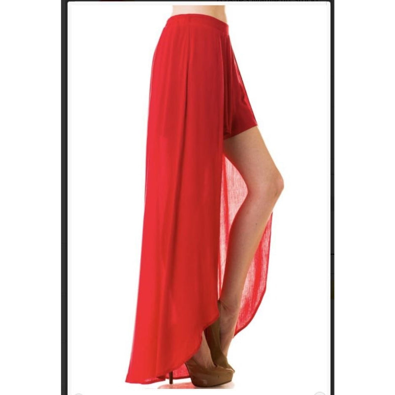 Red Hot Maxi-Shorts