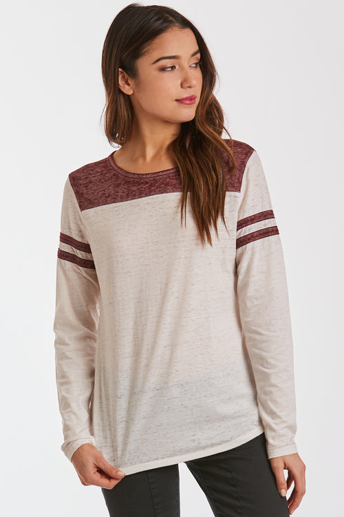 KASEN BURNOUT ATHLETIC TEE CREAM/BORDEAUX