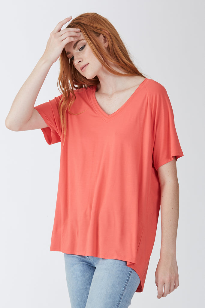 TAYLOR RELAXED FIT V-NECK NEWRED
