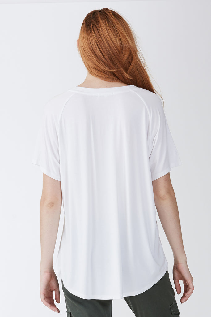 TAYLOR RELAXED FIT V-NECK WHITE