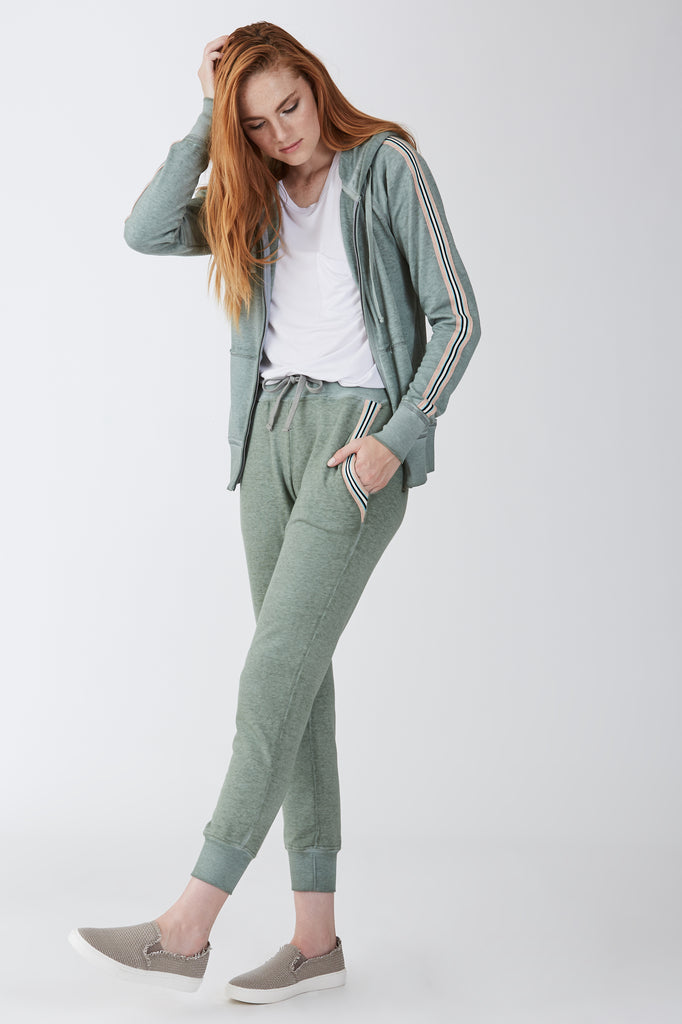 ANGELA BURNOUT JOGGER W/STRIPE FERN