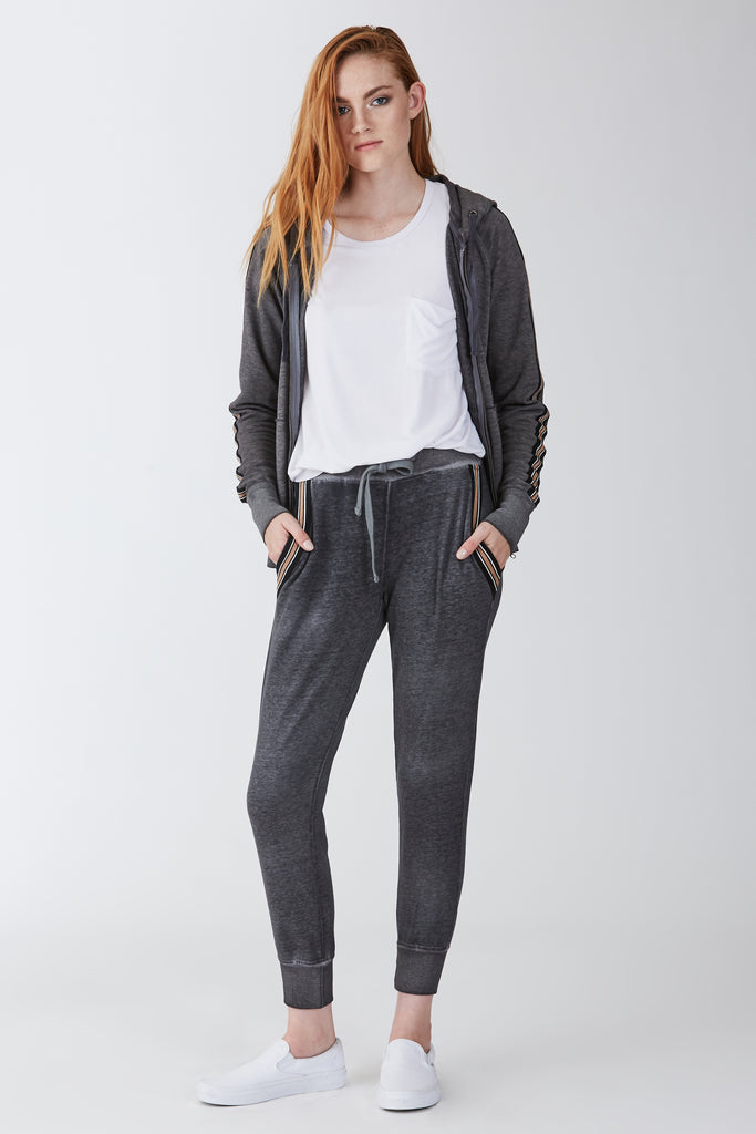 ANGELA BURNOUT JOGGER W/STRIPE GRAPHITE