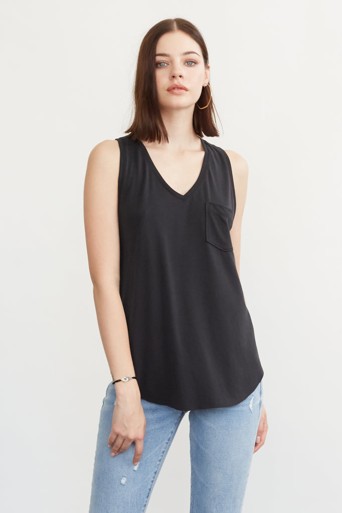 ESTHER VNECK TANK W/ PKT BLACK