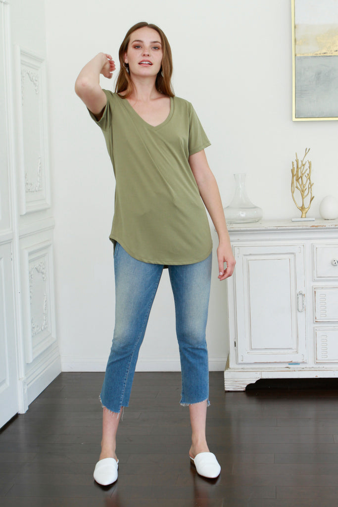 VALENTINA V-NECK TEE TEA LEAF
