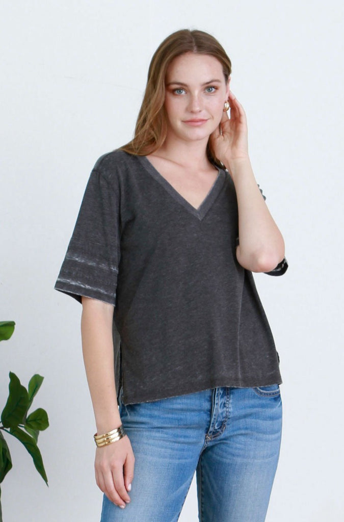DANI VINTAGE WASHED V-NECK BLACK