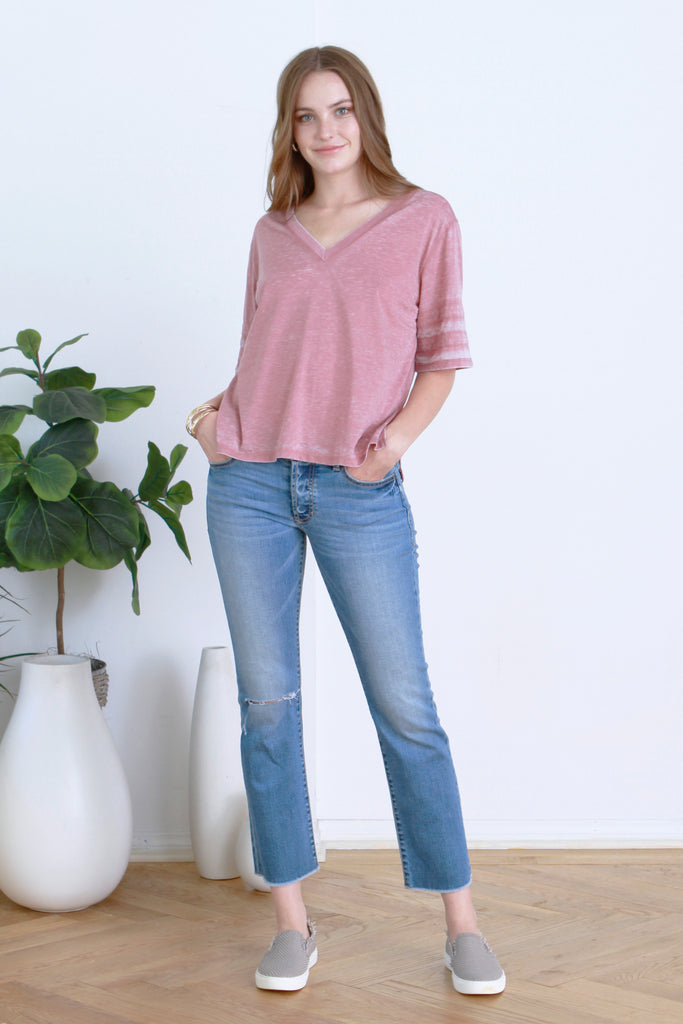 DANI VINTAGE WASHED V-NECK MERLOT
