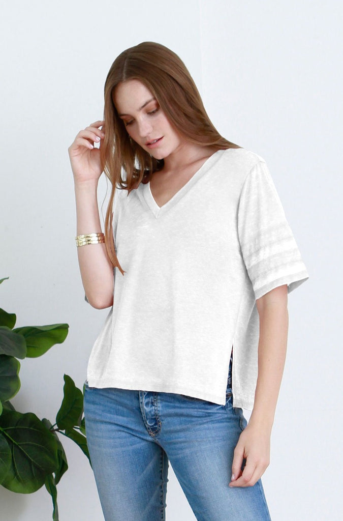 DANI VINTAGE WASHED V-NECK WHITE