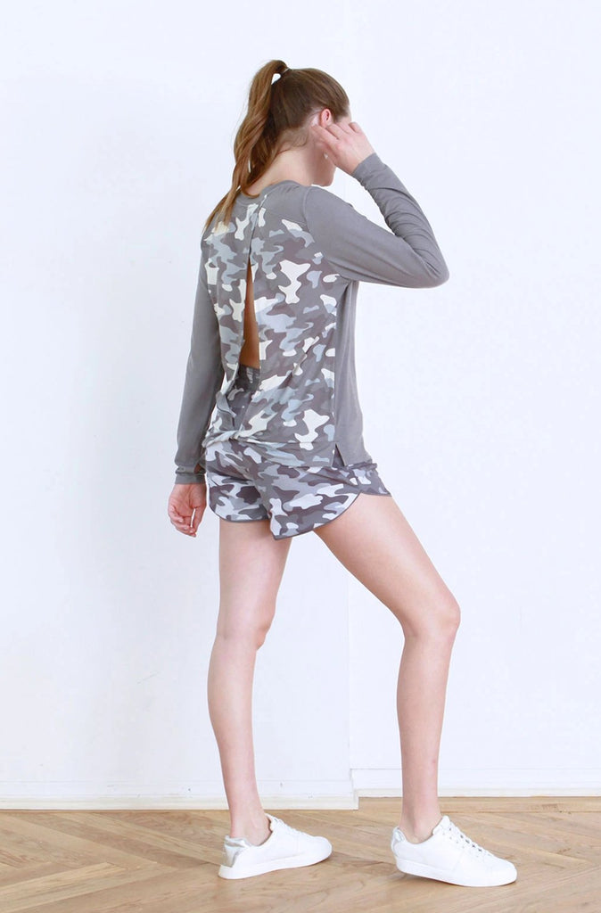 AUDREY OPEN BACK LONG SLEEVE GREY / DARK GREY CAMO