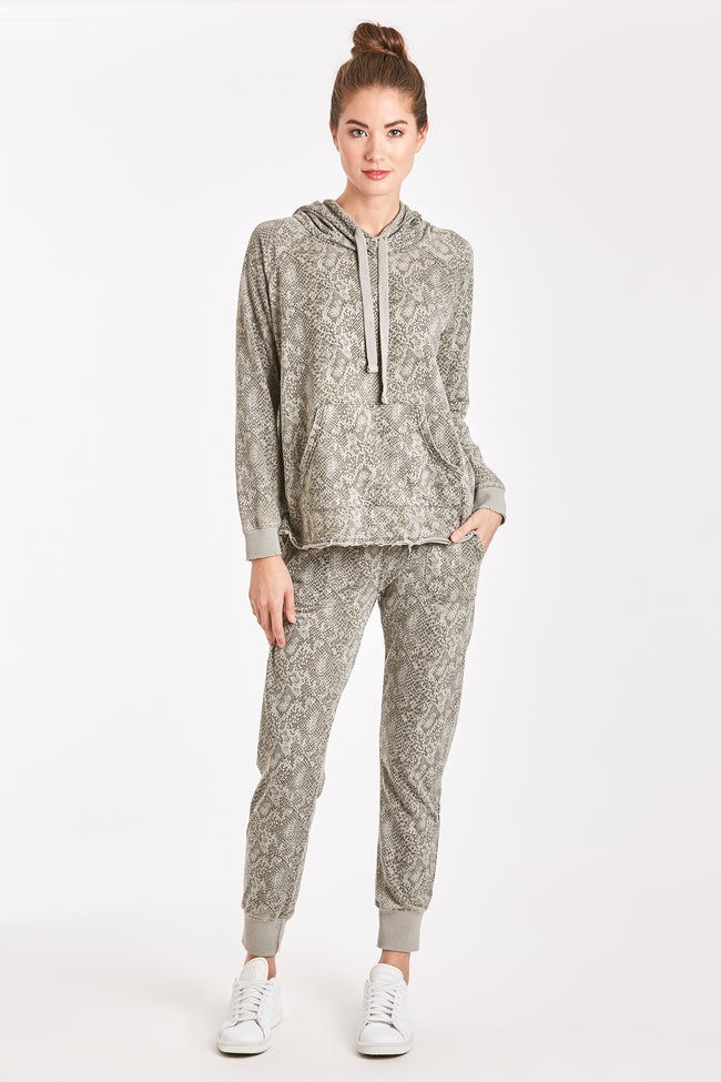 ANGELA BURNOUT JOGGER SNAKE