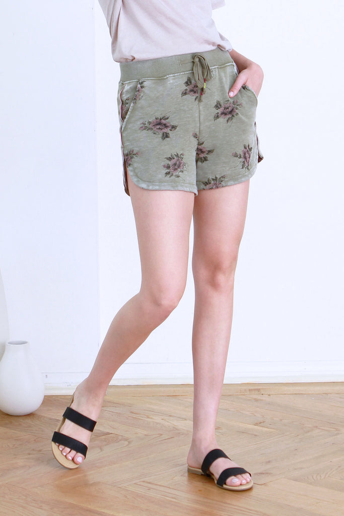 TIANA VINTAGE WASHED DOLPHIN SHORT TEA LEAF