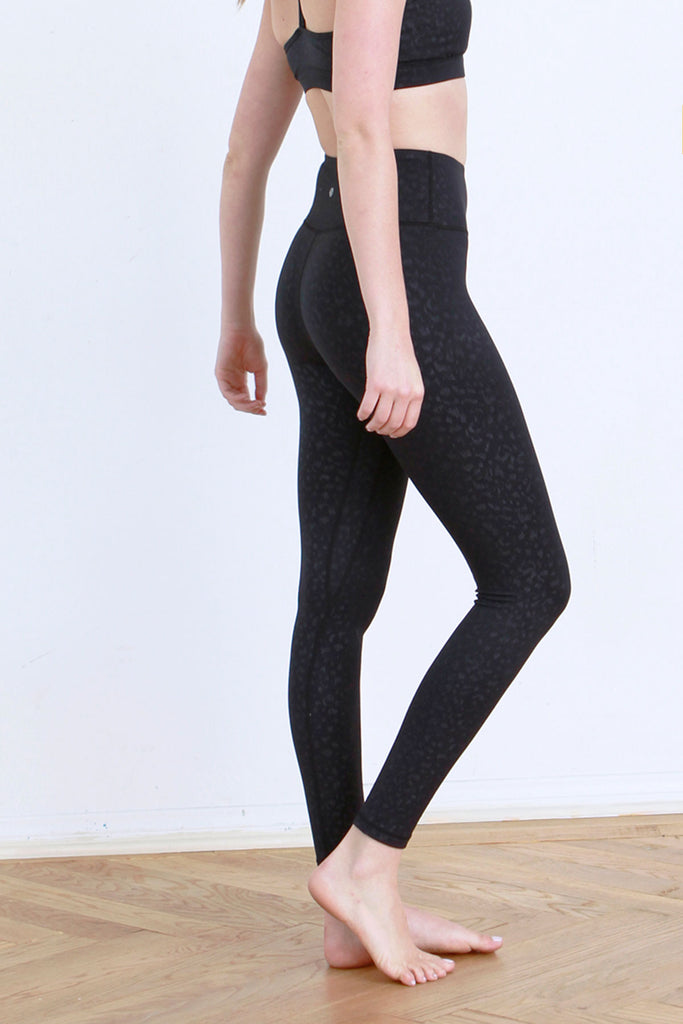 ANDIA LEOPARD EMBOSSED LEGGINGS BLACK