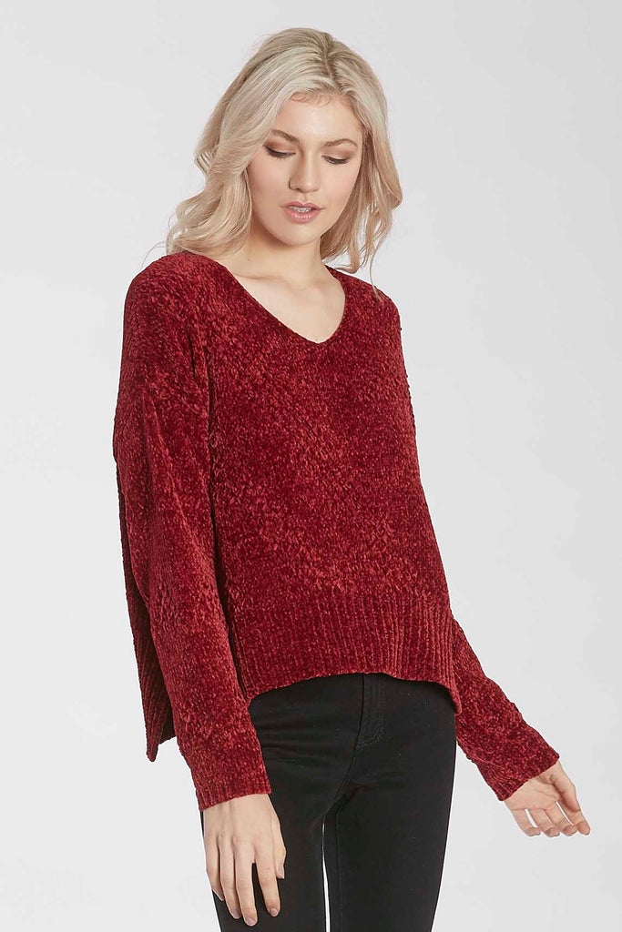 HOLLY CHENILLE SWEATER W/HI LO VENTED HEM CHERRY