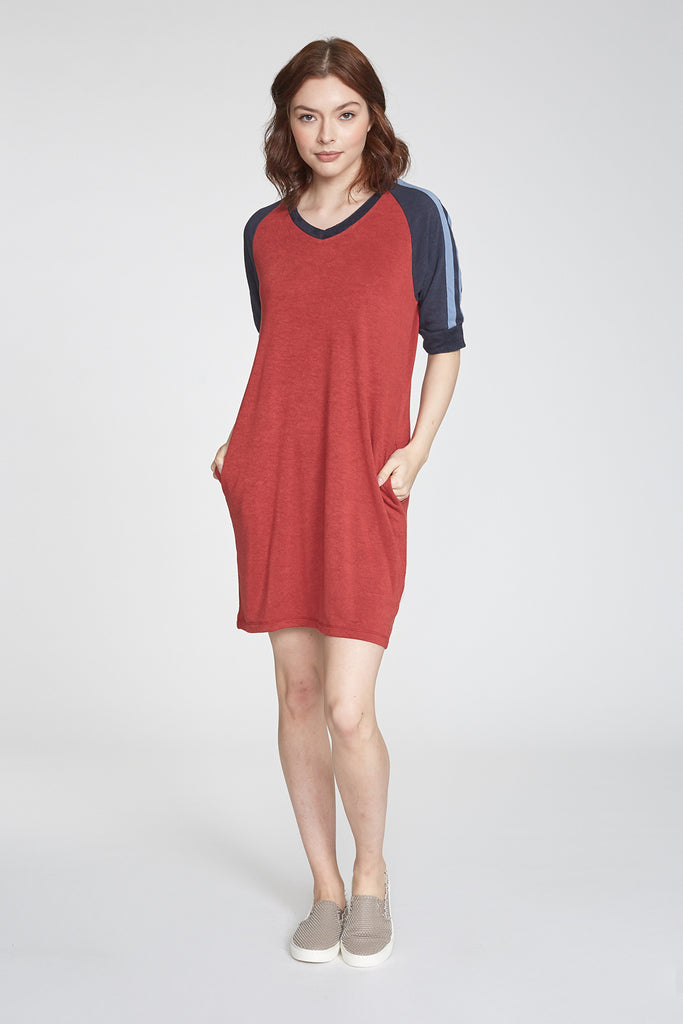 ARLENE COLORBLOCK ATHLETIC STRIPE DRESS BORDEAUX