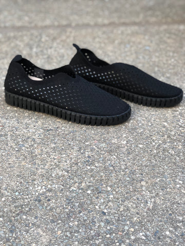 Tulip Slip On Black w/ Black Sole
